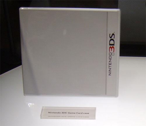 This is a pic of an official Nintendo 3DS Game Box at E3: See what I mean?