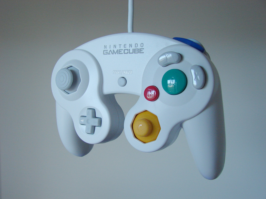 gamecube_controller_white