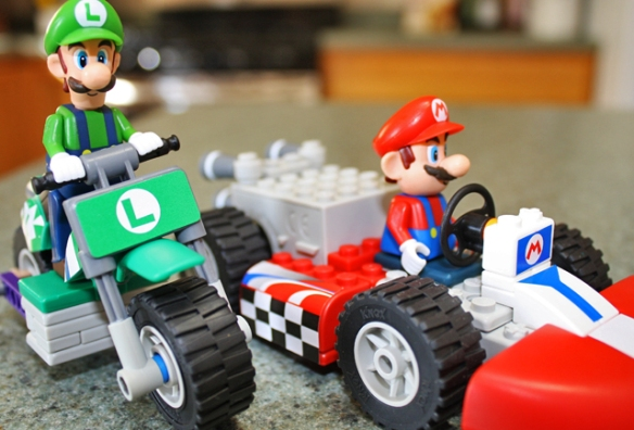 Nintendo 3DS: 3D Trailers For All The Big Nintendo 3DS Titles Are Now Up! Mario_kart_knex2