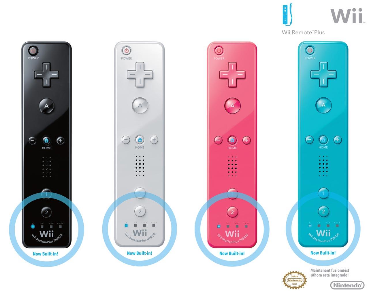Mature Kitana Masturbating With Wii Controller