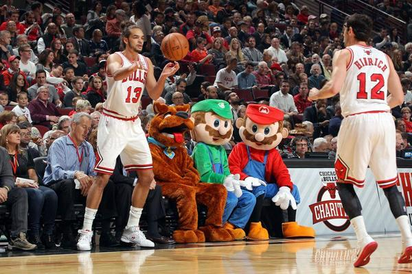 mario_luigi_chicago_bulls_game