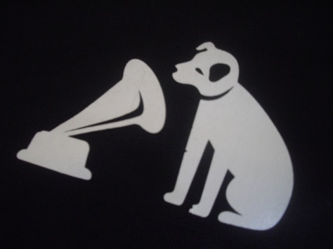 hmv_logo_dog