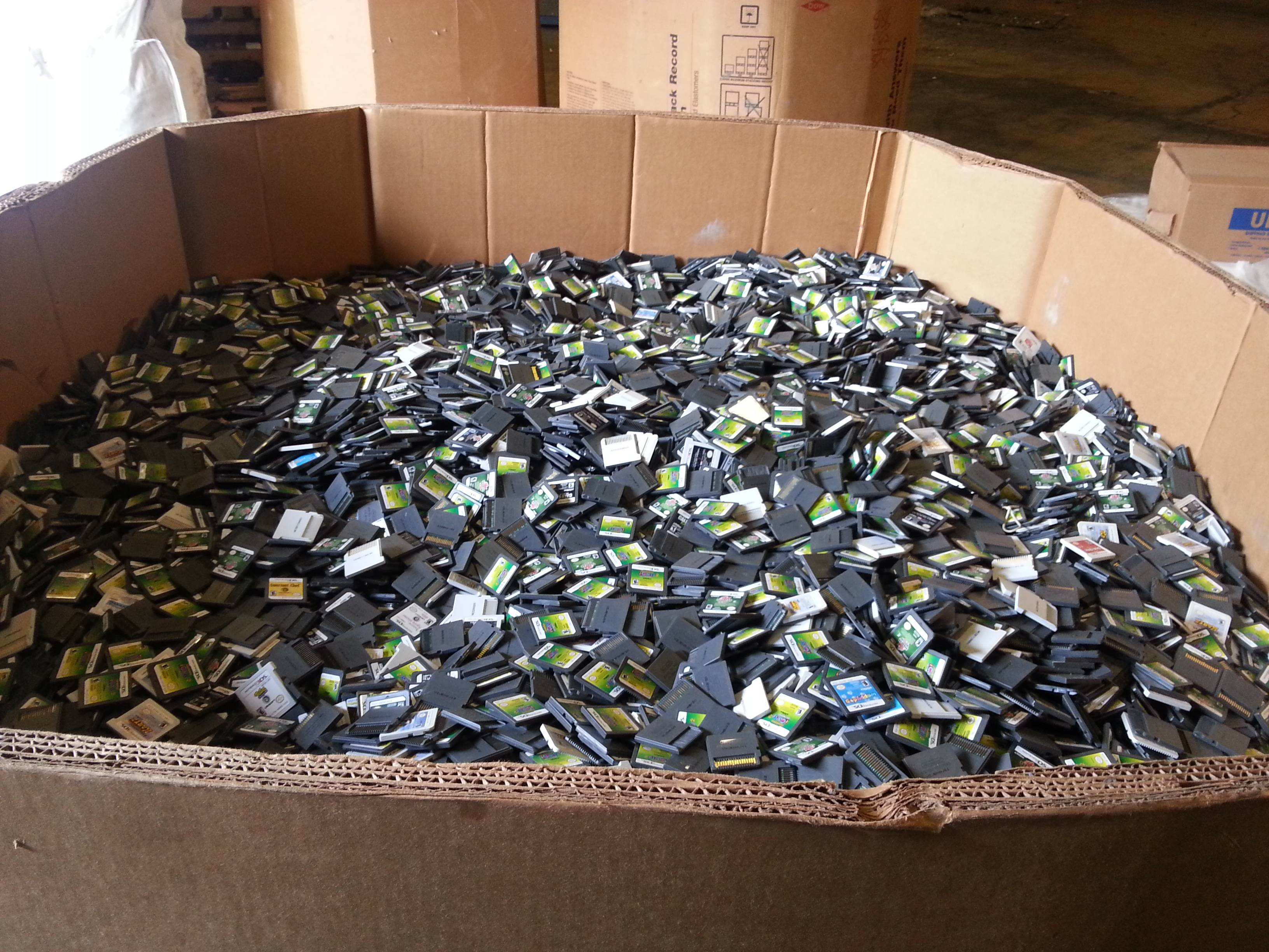 Here's What 545 Kilos of Nintendo DS And 3DS Games Looks ...