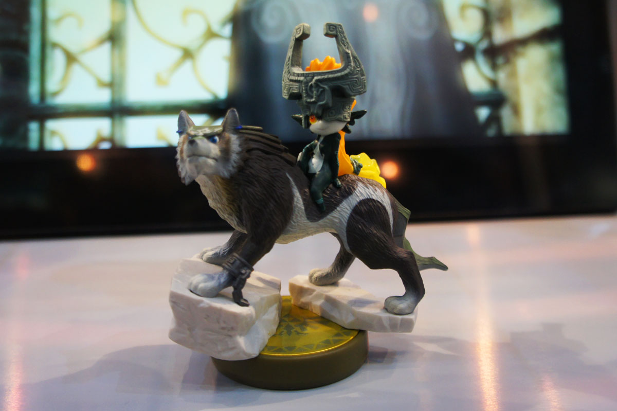 Video: Wolf Link Amiibo Unboxing