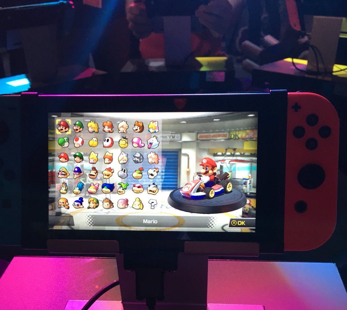 a look at the mario kart 8 deluxe character select screen. Black Bedroom Furniture Sets. Home Design Ideas