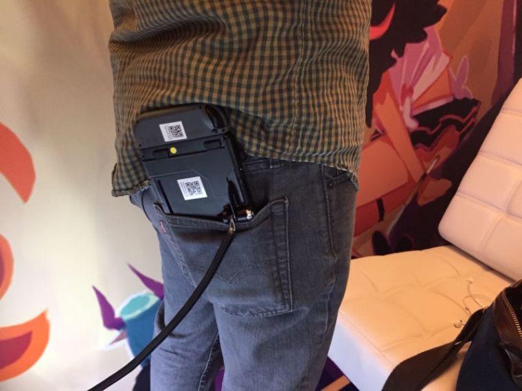 nintendo_switch_in_back_pocket